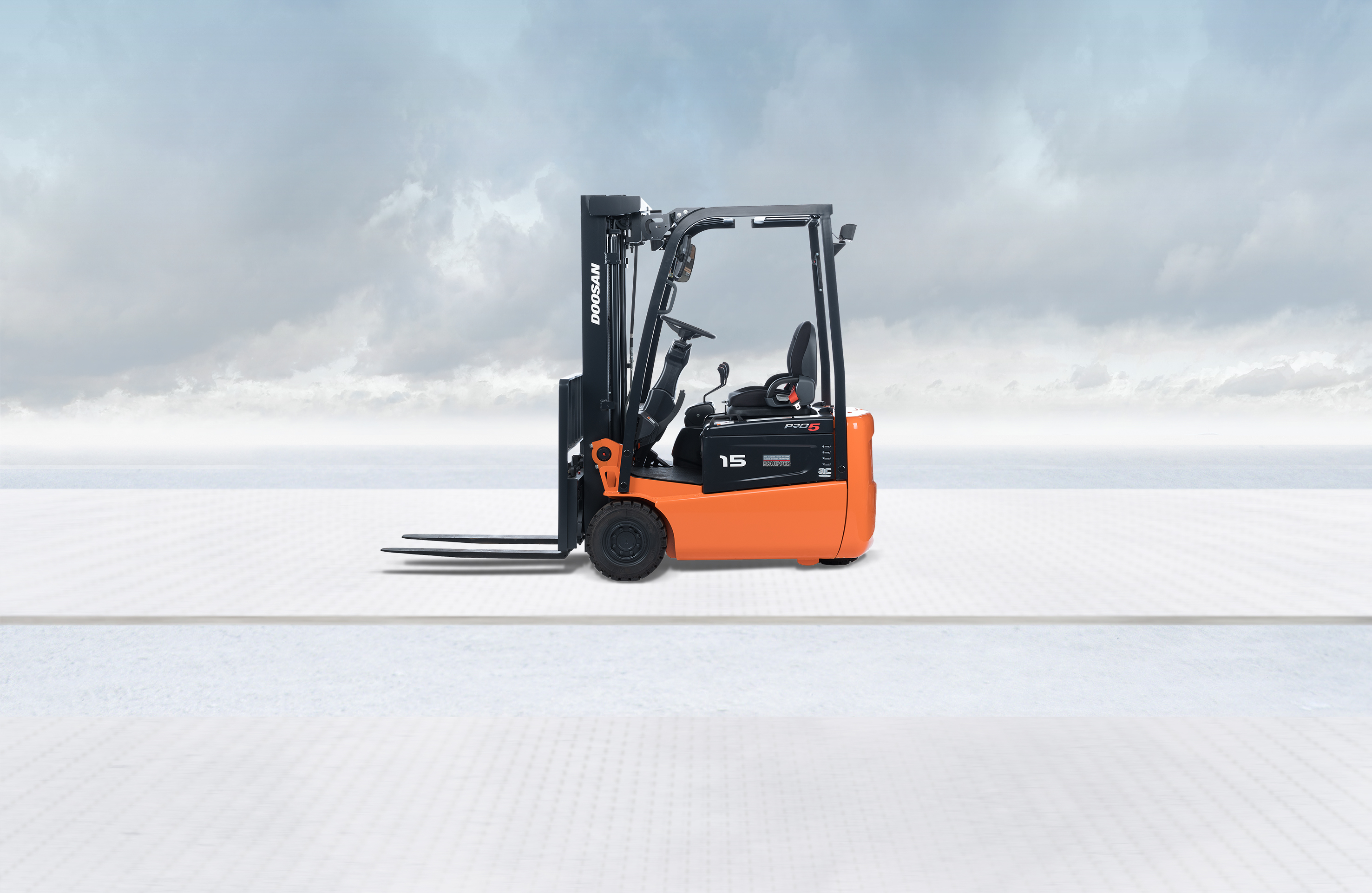 Electric lift trucks